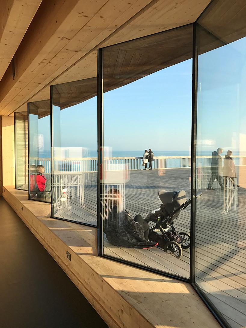 RIBA-stirling-prize-2017-winner-dRMM-hastings-pier-designboom-x5